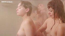 Ćelavi erotik film retro pastuh strši veliki kurac u vaginu slatke djevojke
