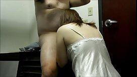 Lijepa djevojka slatko curi kod terapeuta za vintage porno full movie masažu