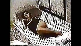 Brineta erotic vintage film je slavno osakatila debeli prtljažnik kavalira