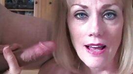 Dugonogi MILF vintage film porn lijepo skače po svojoj tvrdoj ebanovoj vagini
