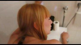 Zadovoljna je djevojka porn film retro pred prijateljicom