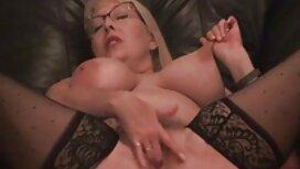 Djevojka s velikim sex retro film guzicama osjetila je erupciju sperme u svojoj dlakavoj pički