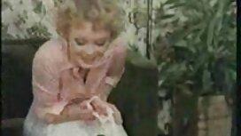 Pijanistica savršeno sex film vintage je privukla prsate obožavatelje